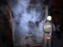 Спасатели МЧС России ликвидировали пожар в частной хозяйственной постройке в Прокопьевском МО