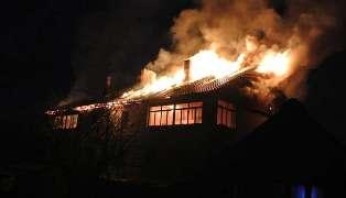Спасатели МЧС России ликвидировали пожар в частном доме под дачу  в Таштагольском МР