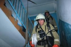 Спасатели МЧС России ликвидировали пожар в муниципальном многоквартирном жилом доме в Прокопьевском ГО