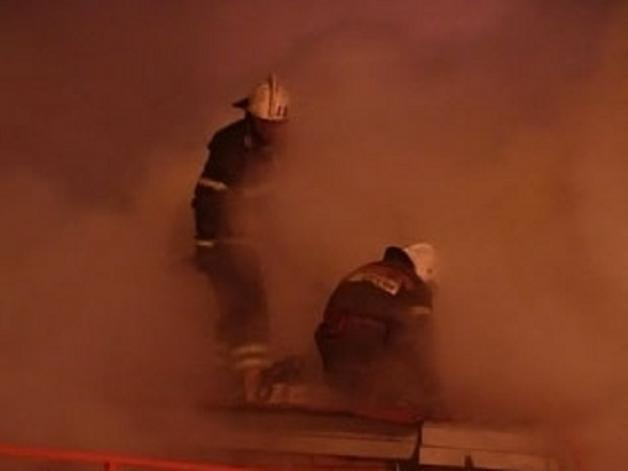 Спасатели МЧС России ликвидировали пожар в частном доме под дачу в Березовском ГО