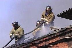 Спасатели МЧС России ликвидировали пожар в частном жилом доме и хозяйственных постройках в Березовском ГО