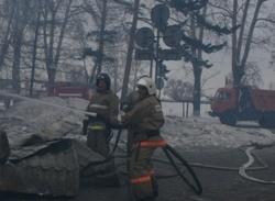 Спасатели МЧС России ликвидировали пожар в частных надворных постройках в Мысковском ГО