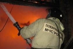 Спасатели МЧС России ликвидировали пожар в частном гараже в г.Таштагол