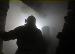 Спасатели МЧС России ликвидировали пожар в частной хозяйственной постройке и автомобиле в Юргинском МО