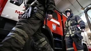 Спасатели МЧС России ликвидировали пожар в подвальном помещении муниципального многоквартирного жилого дома в г.Топки