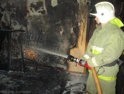 Спасатели МЧС России ликвидировали пожар в частном садовом доме в Ижморском МО