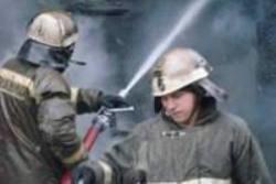 Спасатели МЧС России ликвидировали пожар в частном жилом доме в Топкинском МО