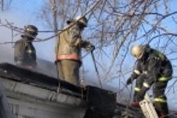 Спасатели МЧС России ликвидировали пожар в частных хозяйственных постройках в Краснобродском ГО
