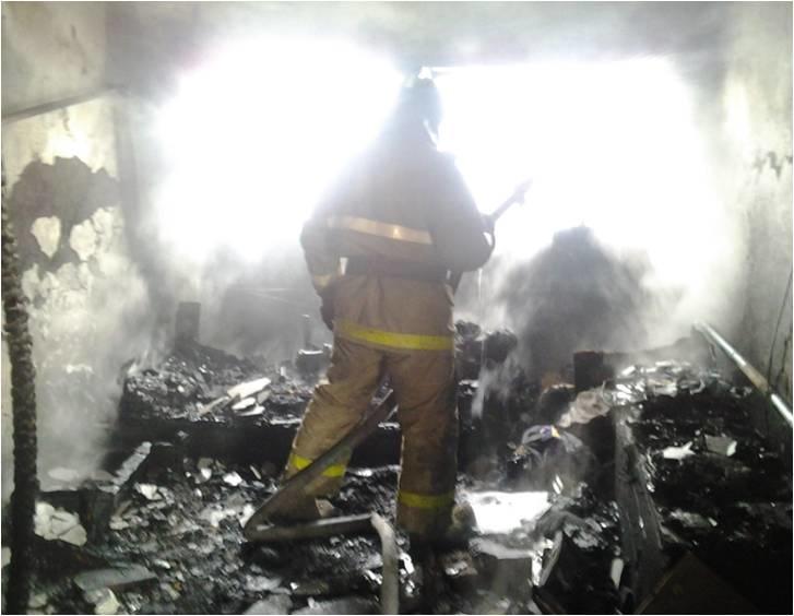 Спасатели МЧС России ликвидировали пожар в частном жилом доме в Прокопьевском ГО
