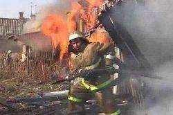 Спасатели МЧС России ликвидировали пожар в частном жилом доме, хозяйственных постройках в Анжеро-Судженском ГО