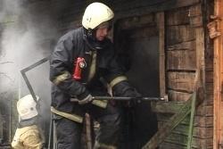 Спасатели МЧС России ликвидировали пожар в частной хозяйственной постройке в Анжеро-Судженском ГО
