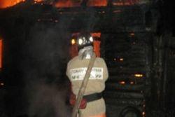 Спасатели МЧС России ликвидировали пожар в частных хозяйственных постройках в Анжеро- Судженском ГО