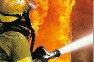 Спасатели МЧС России ликвидировали пожар в частной хозяйственной постройке в Яшкинском МО