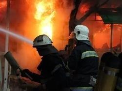 Спасатели МЧС России ликвидировали пожар в неэксплуатируемом здании в Промышленновском МО