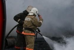 Спасатели МЧС России ликвидировали пожар в частной хозяйственной постройке в Мариинском ГО