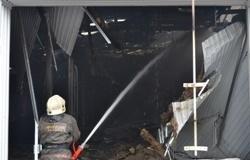 Спасатели МЧС России ликвидировали пожар в частном нежилом здании в Беловском ГО